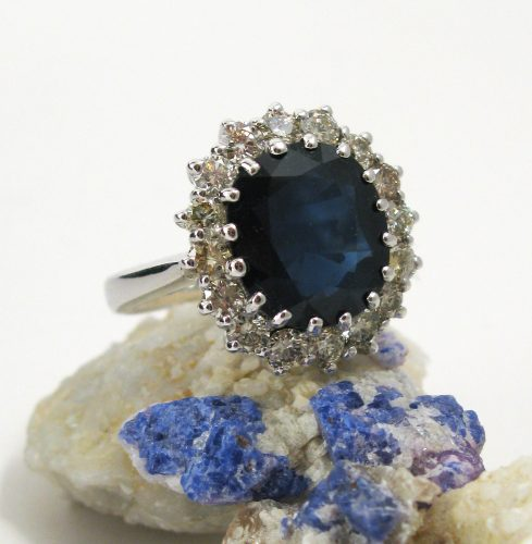 getting-to-know-sapphire-rings-and-how-suffolk-jewelers-succeed-in-the-business-3